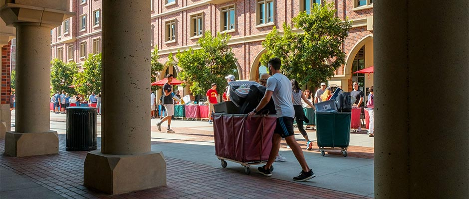 Move-in Day at USC