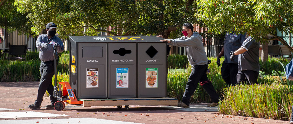 No-touch recycling station